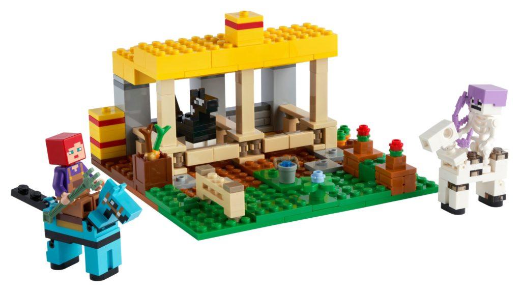 LEGO Minecraft 21171 Der Pferdestall   ©LEGO Gruppe