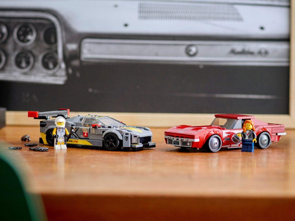 LEGO Speed Champions 76903 Chevrolet Corvette C8.R & 1968 Chevrolet Corvette | ©LEGO Gruppe