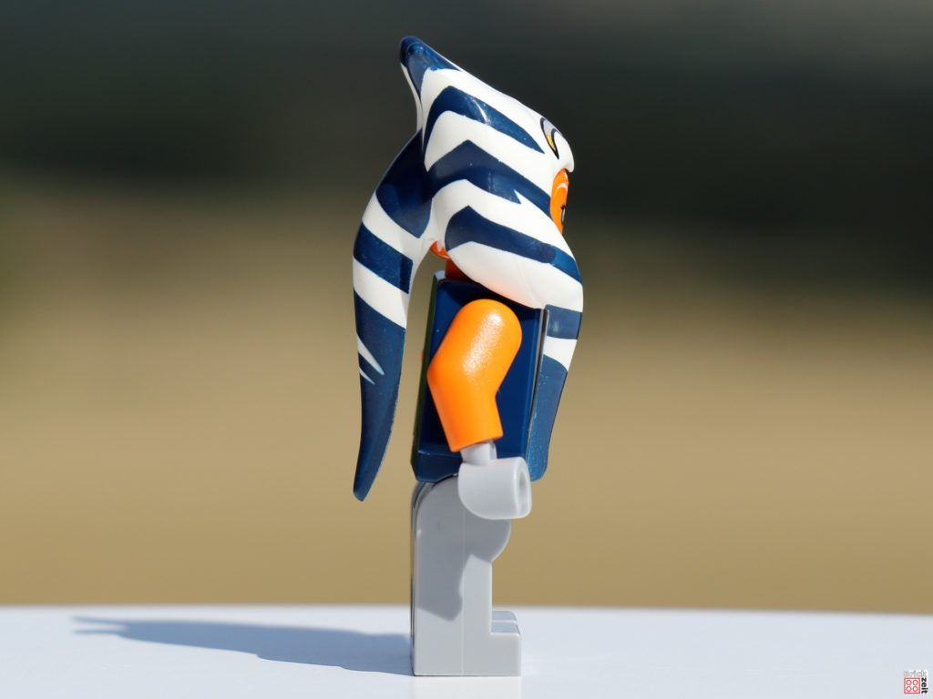 LEGO Ahsoka Tano, rechte Seite   ©Brickzeit