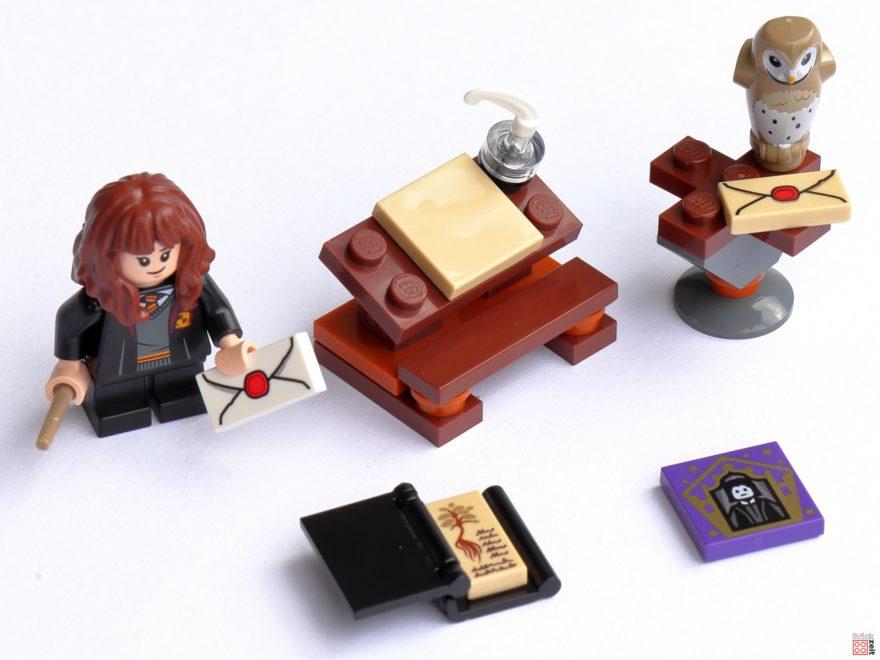 Review - LEGO Harry Potter 30392 Hermines Schreibtisch | ©Brickzeit