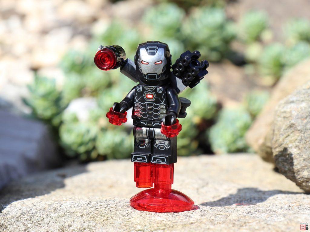 War Machine Minifigur aus LEGO Marvel Avengers Magazin Nr. 7 | ©Brickzeit