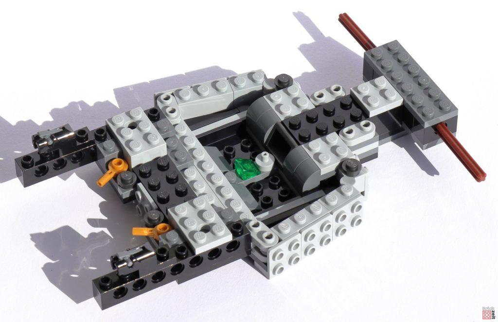 Befestigte Vorderradaufhängung des LEGO Tumblers   ©Brickzeit