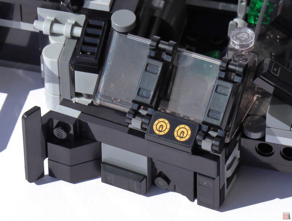 Verkleidete Seite des LEGO Tumblers   ©Brickzeit