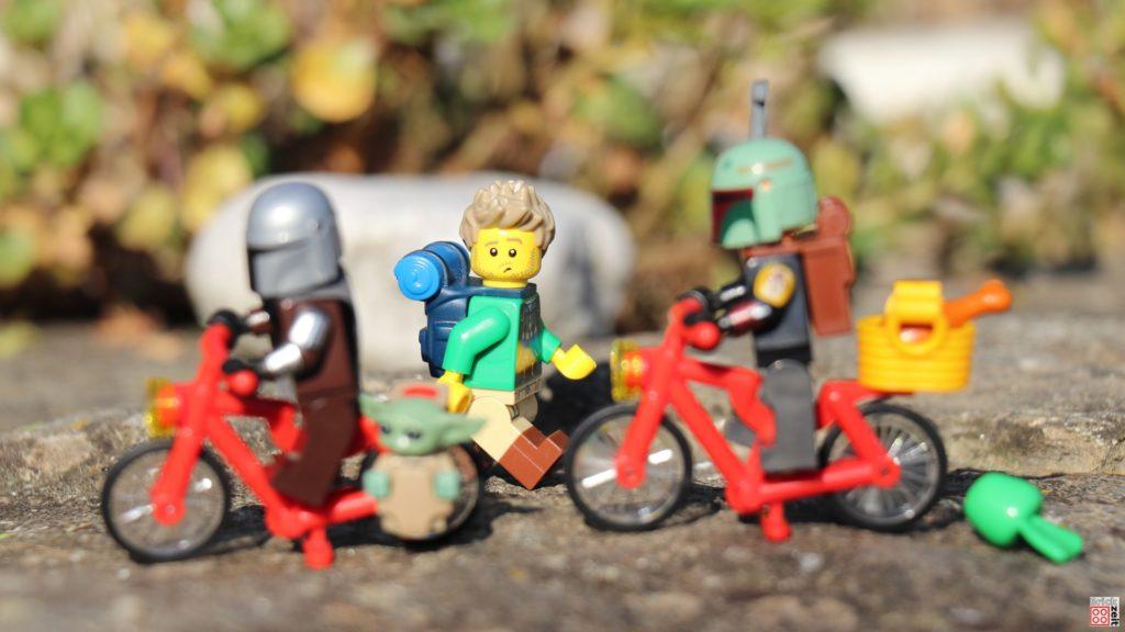 Verblüffter LEGO Wanderer   ©Brickzeit