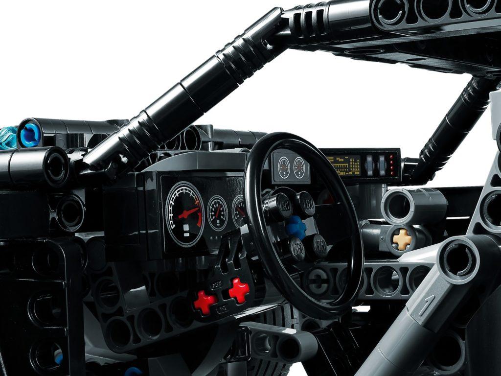 LEGO Technic 42127 THE BATMAN Batmobile   ©LEGO Gruppe